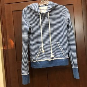Girls American Eagle Outfitters sweatshirt